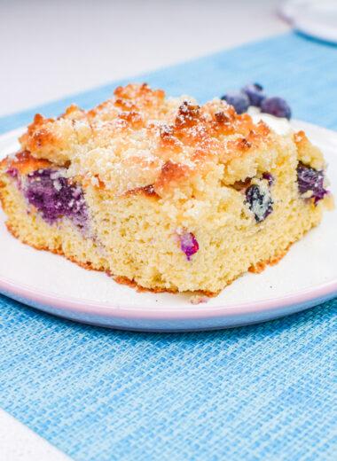 keto crumble cake